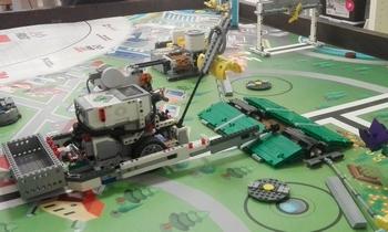 Il robot sviluppato da team HsbOt per la First lego League presso Il_Laboratorio